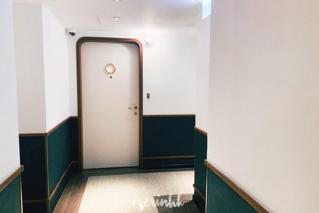 hotel room door